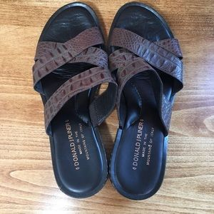 EUC Donald J. Pliner Brown Leather Sandal Size 6.5